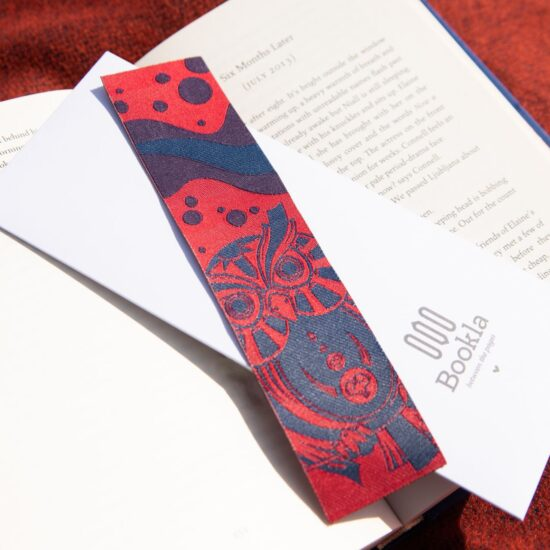 Bookla bookmark with the design of an owl